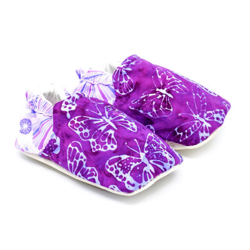 Chaussons bébé souples papillons violets