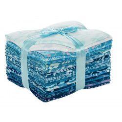 Lot de vingt batik fat quarters bleu