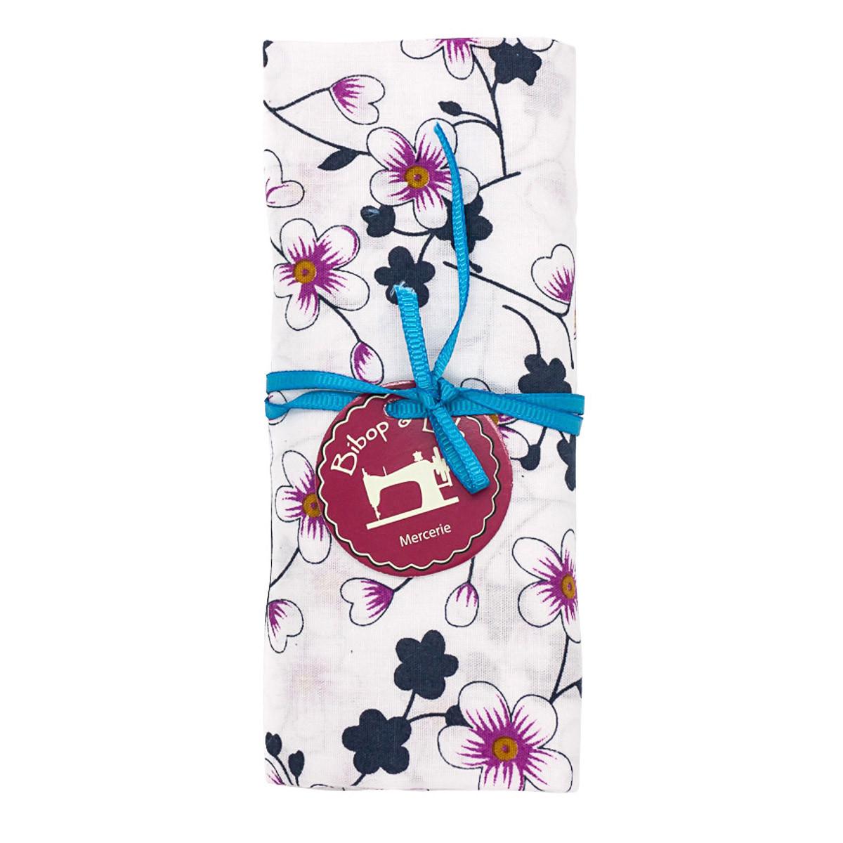 coupon tissu coton fleurs japonaises roses sur fond blanc