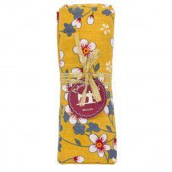 coupon tissu coton fleurs japonaises rouges et grises sur fond jaune moutarde