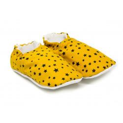 Chaussons bébé souples 0-24 mois jaune et étoiles noires